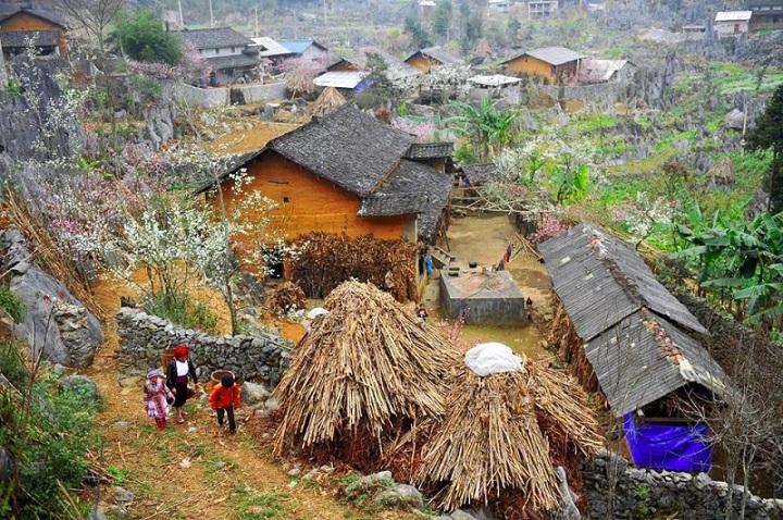 pueblo etnico meseta dong van vietnam