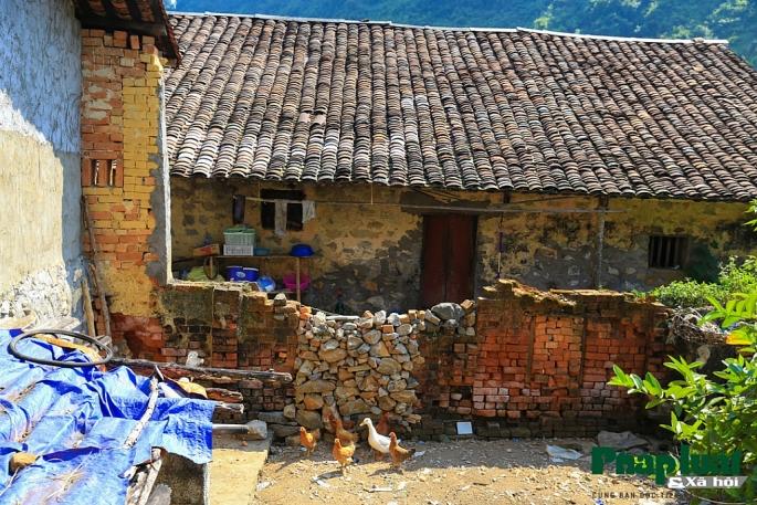 Casas de piedra en el pueblo Khuoi Ky en Cao Bang