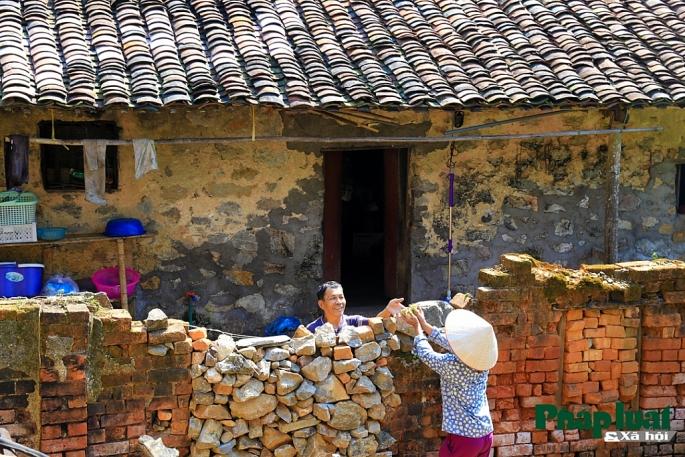 Muro de piedra en el pueblo Khuoi Ky en Cao Bang