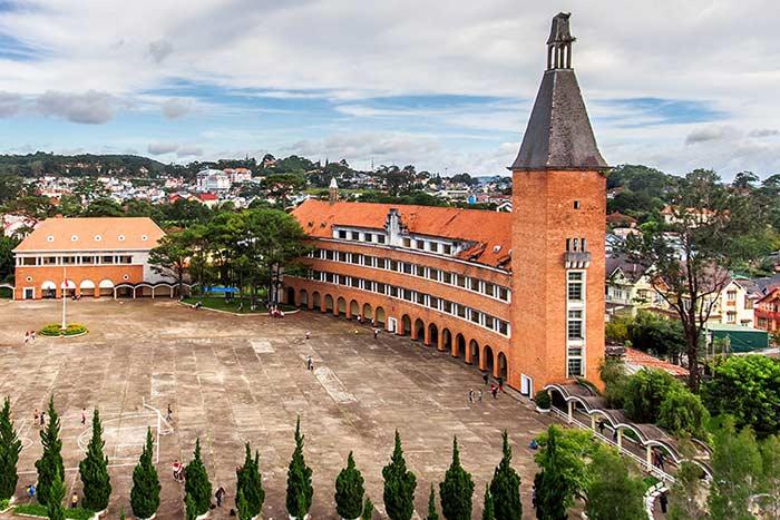 Liceo Yersin en Dalat Vietnam