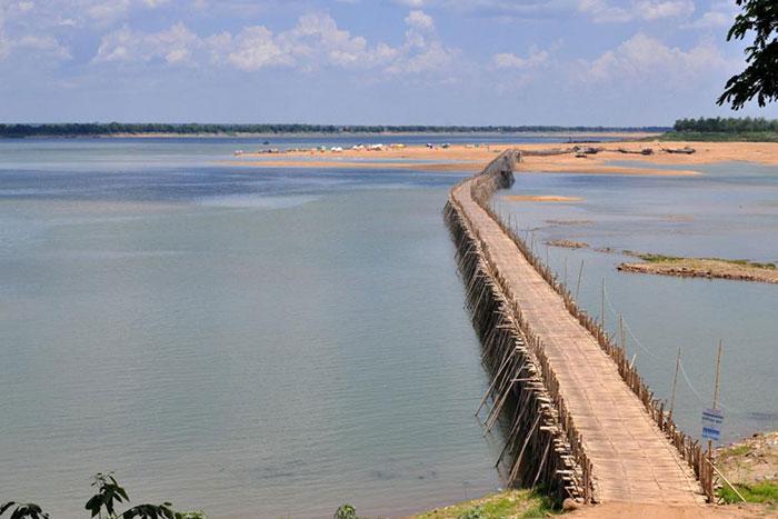 Puente de bambu en Kampong Cham