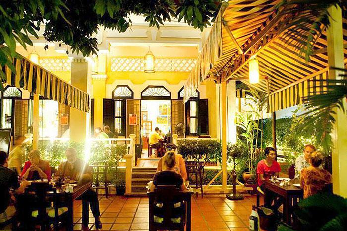 Restaurante Romdeng en Nom Pen