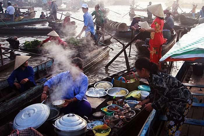 Mercado flotante de Phunh Hiep Mekong Vietnam
