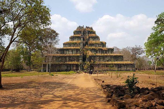 Estupa de Prang en Koh Ker Camboya