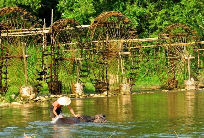 Aguas en la Reserva Natural de Pu Luong