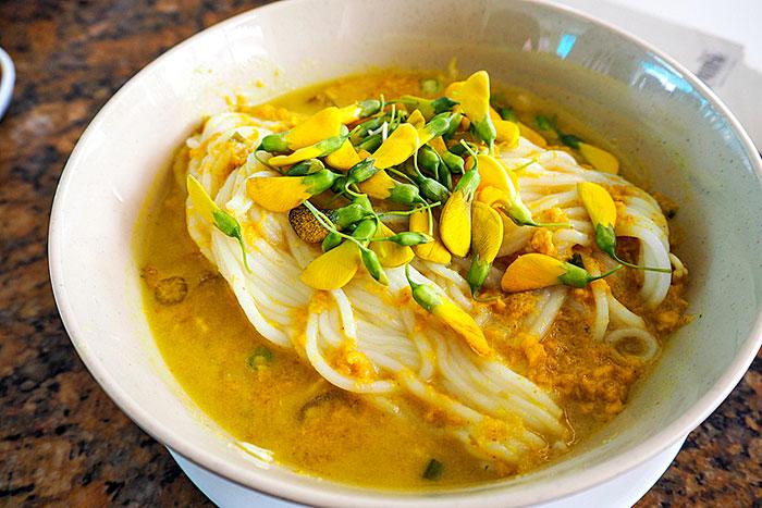 Restaurante Thmei en Nom Pen