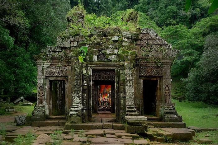 Santuario en el sitio arqueologico Vat Phou Laos