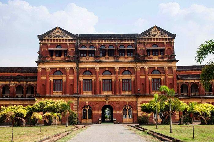 La Oficina de la Secretaria en Yangon