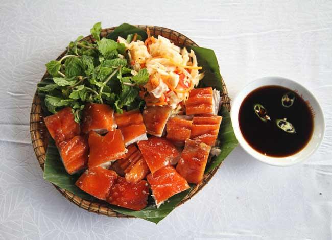 Cerdo enamo comida tipica de Ha Giang