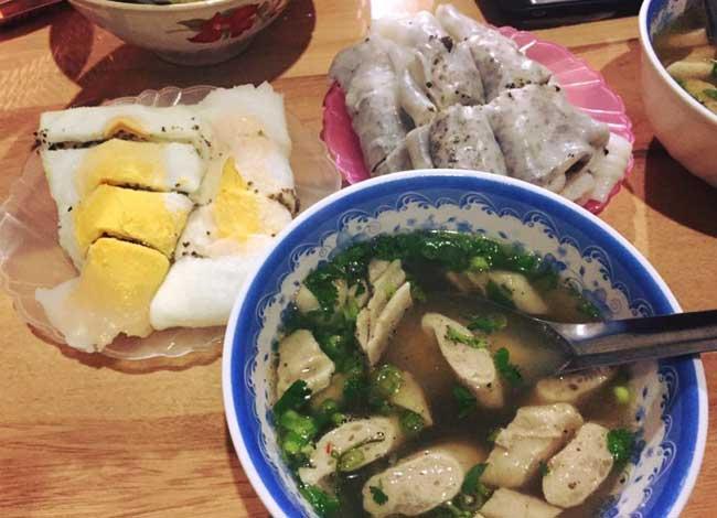 Crepe con huevo comida tipica de Ha Giang