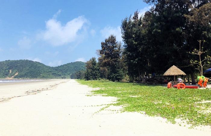 Isla de Ngoc Vung en la Bahia de Halong