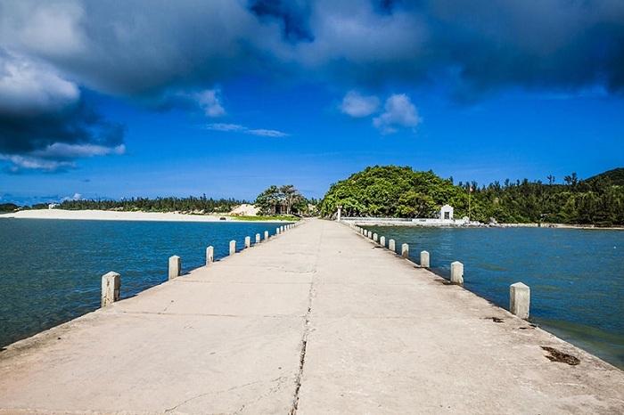 Isla de Quan Lan en la Bahia de Halong