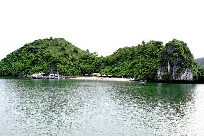 Isla de Soi Sim en la Bahia de Halong