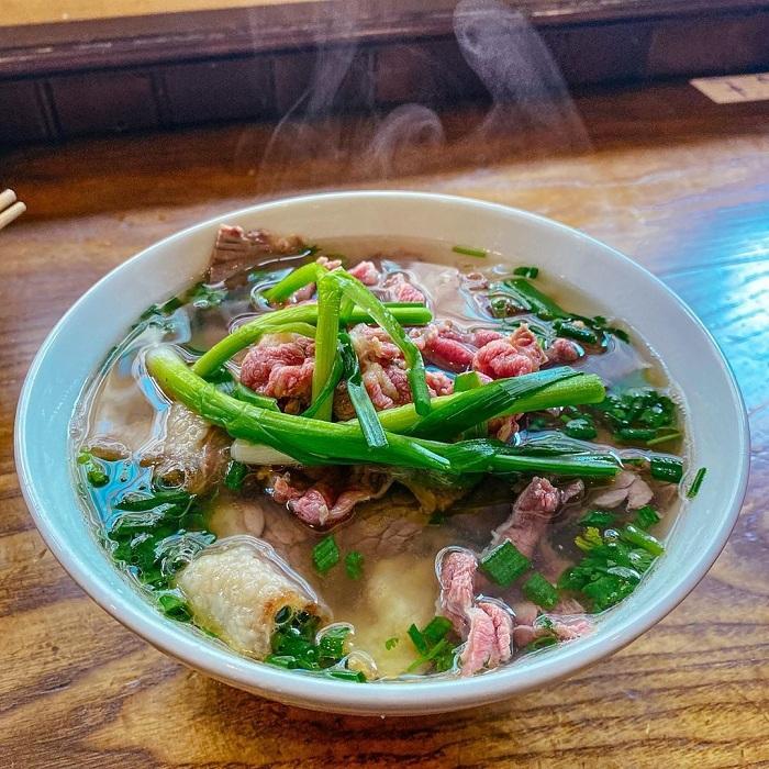 Sopa pho desayuno vietnamita