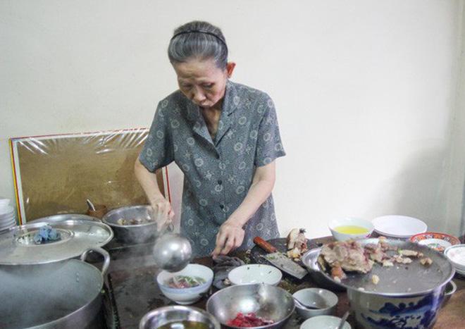 Sopa Pho Saigon restaurante Minh