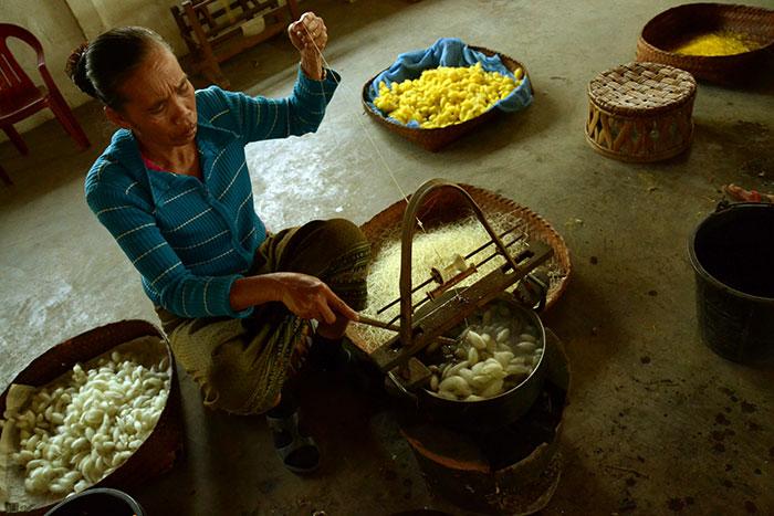 Taller de tejedores en Xieng Khouang Laos