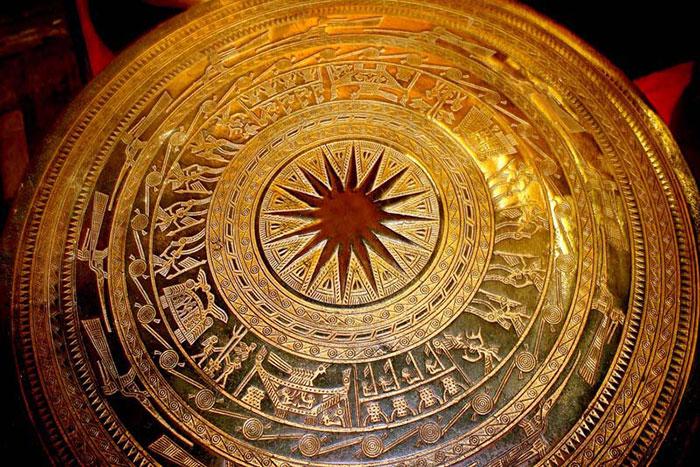 Tambor de bronce en el Museo Nacional de historia de Vietnam