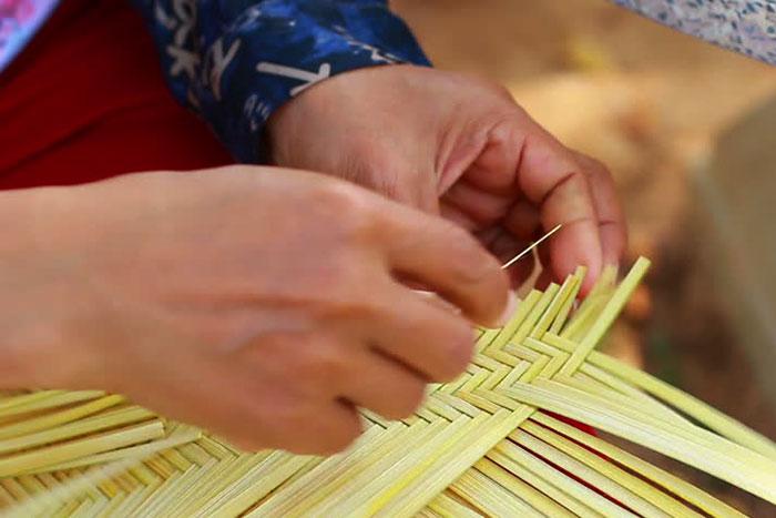 Tejido de bambu en Laos