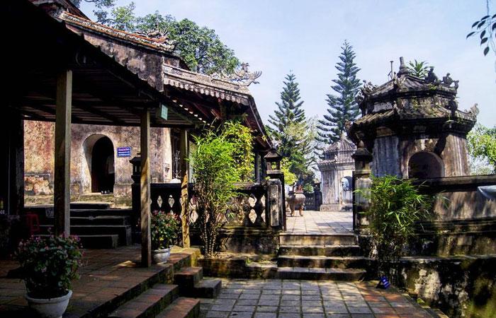 Templo de Hon Chen en Hue