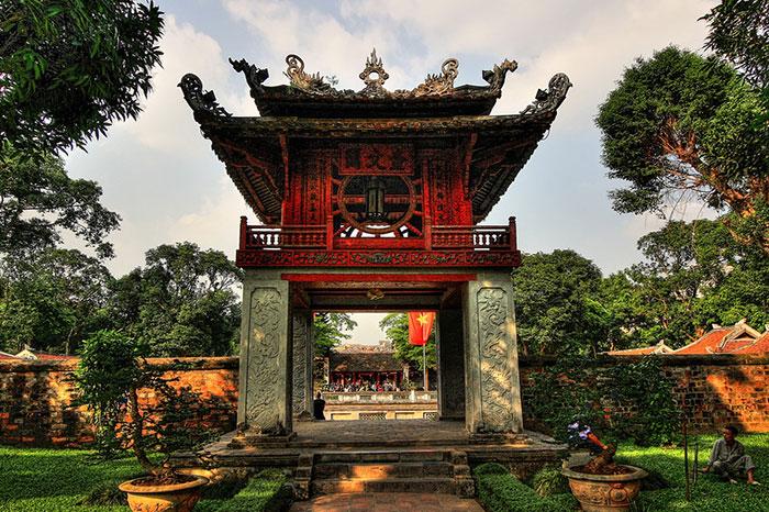 El templo de la literatura en hanoi