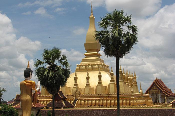 Templo de That Luang en Vientiane Laos