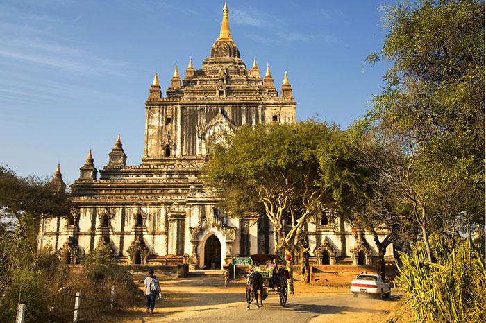 Templo thatbyinnyu en Bagan Myanmar