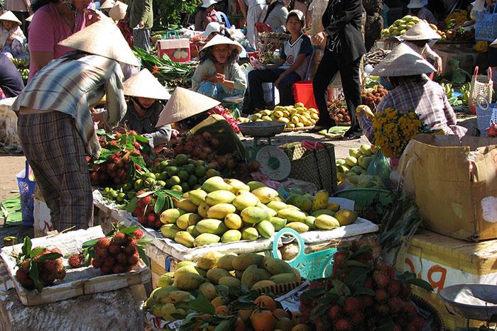 Mercado local en Mui Ne Vietnam
