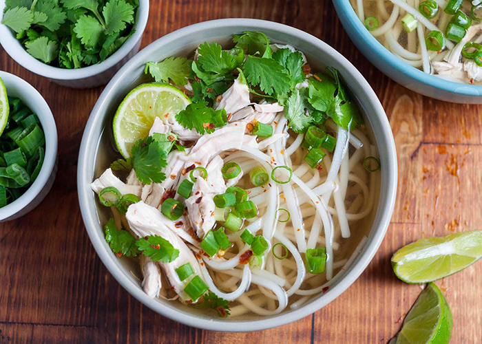 top-10-platos-vietnamitas-sopa-pho