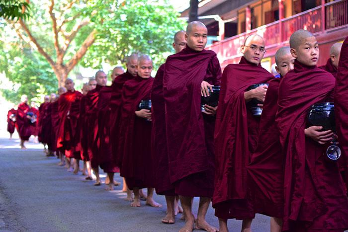 Monasterio de Mahagandayon en Myanmar
