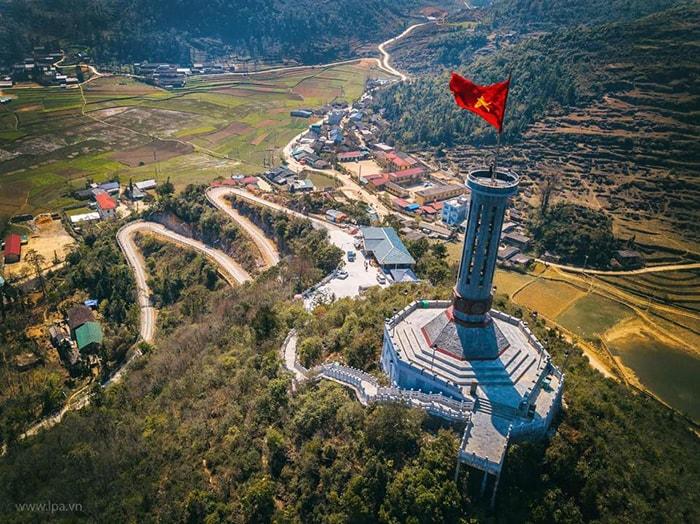 Torre de la bandera de Lung Cu Ha Giang