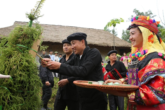 Tradicion grupo etnico Lolo