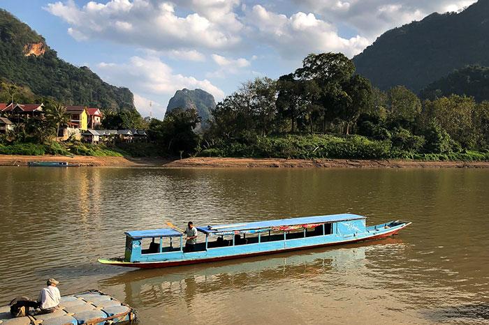 Traslado en bote en Nong Khiaw Laos
