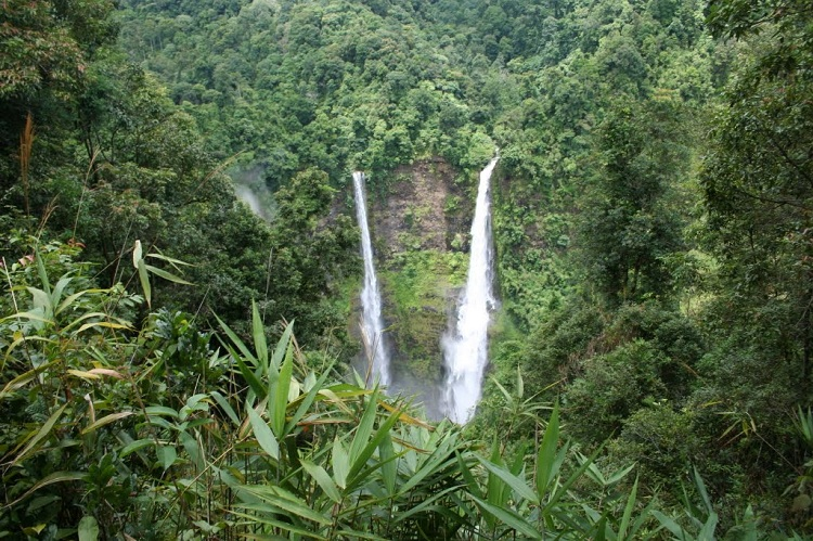 Vacaciones familiares en Laos cascadas de Bolaven