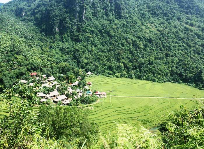 Valle de Kho Muong en Pu Luong Vietnam