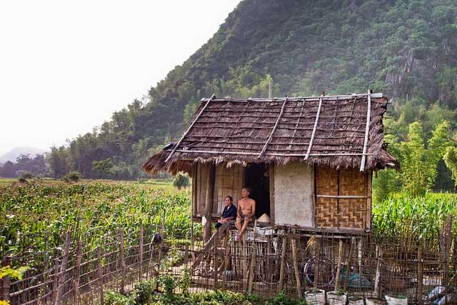 Pobladores en el valle de Mai Chau