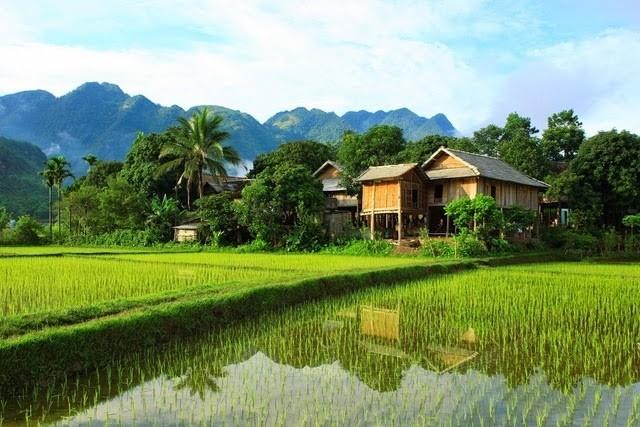 Pueblo de Pom Coon en el valle de Mai Chau