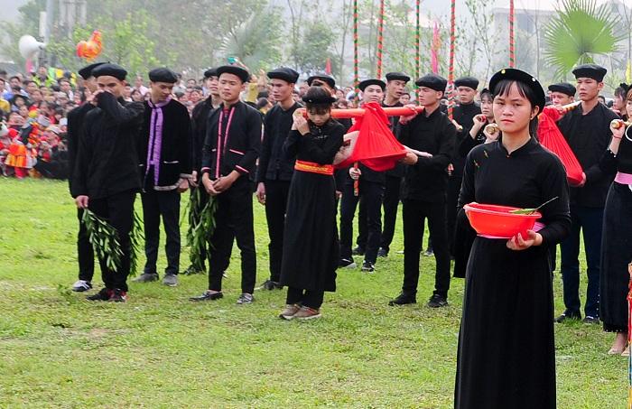 Vestimenta de las etnias en Lam Binh