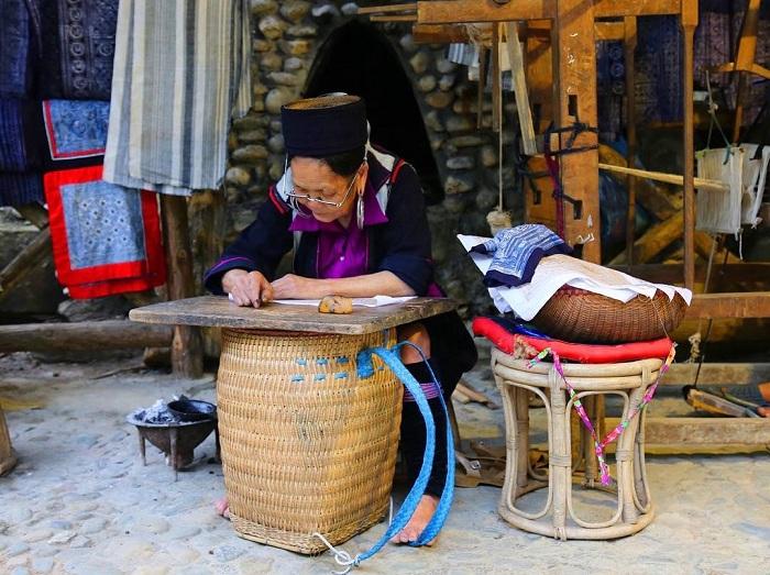 Vestimenta tradicional en el pueblo de Cat Cat