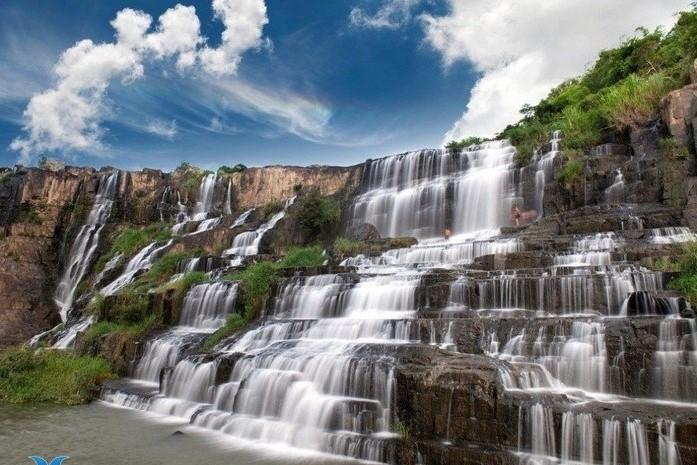 Viajar a Vietnam en julio y agosto cascadas en Dalat