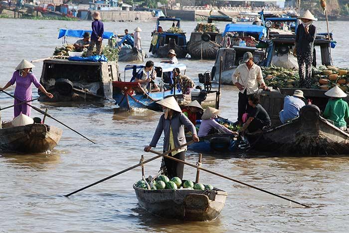 Consejos para viajar a Vietnam en setiembre mercado flotante Can Tho
