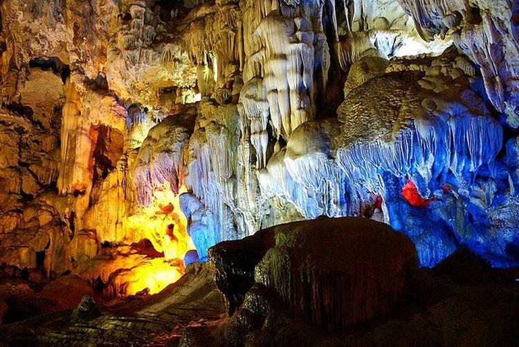cueva-palacio-celestial-bahia-halong