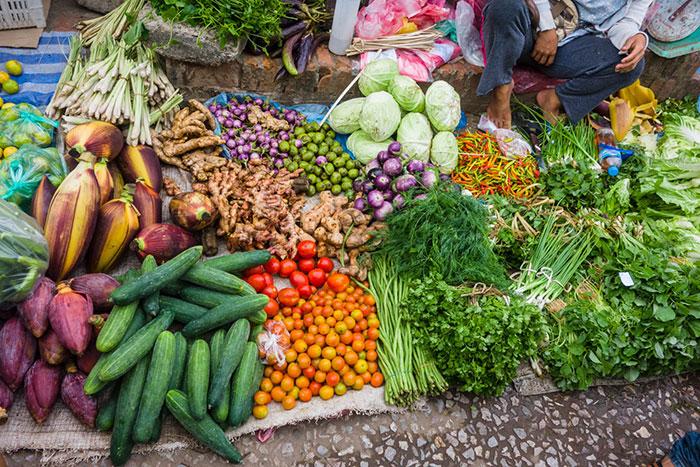 Mercado tradicional en Luang Prabang Laos