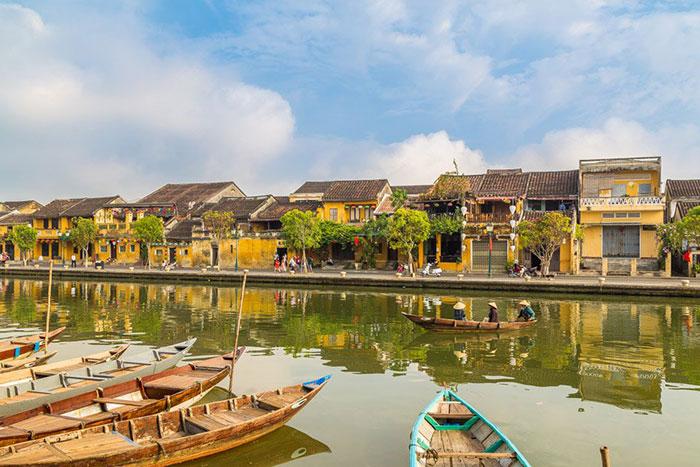 Rio en el casco antiguo de Hoi An Vietnam