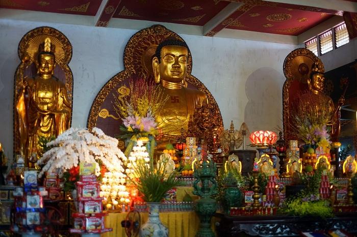Pagoda Vinh Nghiem Saigon Vietnam