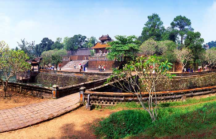 Tumba del emperador Minh Mang en Hue