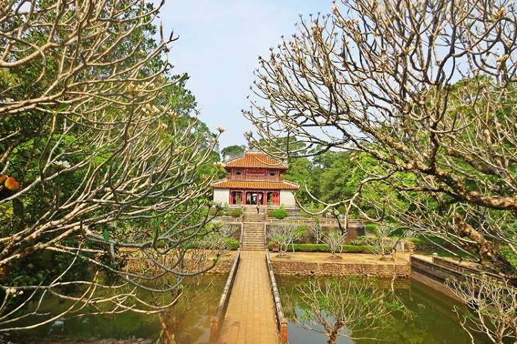 Tumba de los reyes Nguyen en Hue Vietnam