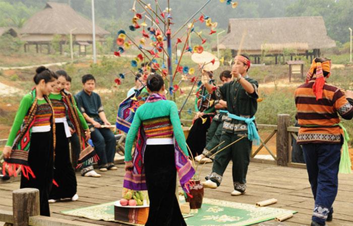 Fiesta Tailandesa en Mai Chau Vietnam Guia de Viaje