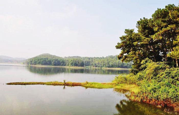 Lago Dong Chuong en Tam Coc Ninh Binh
