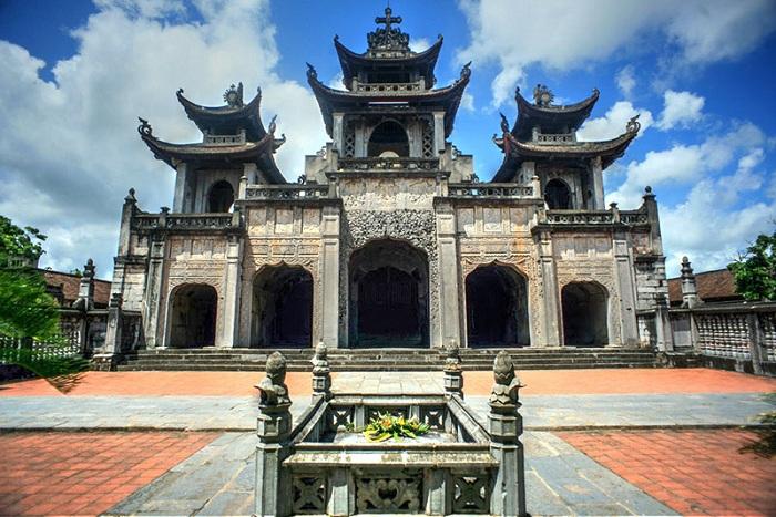 Visitar Tam Coc Catedral Ninh Binh