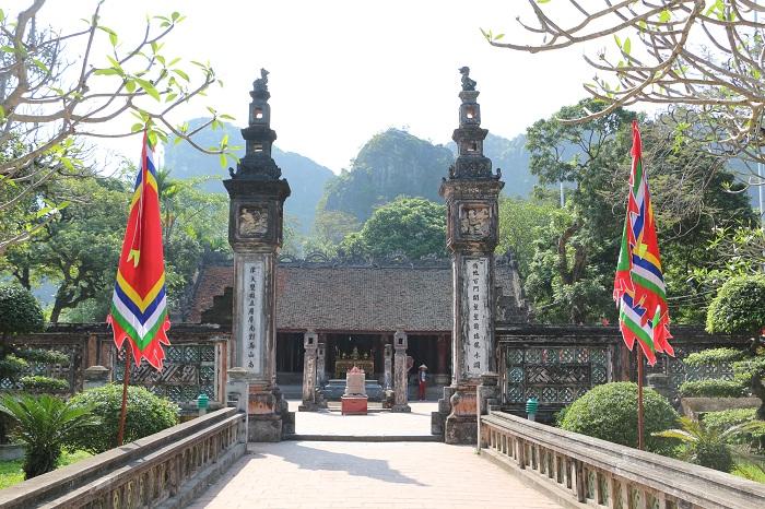 Entrada a los templos en Hoa Lu Ninh Binh